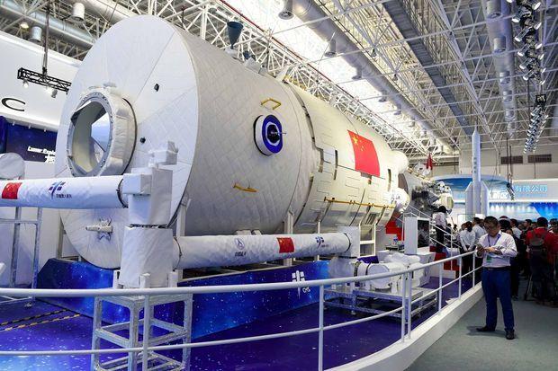 La station spatiale chinoise comprendra trois parties: un module principal long de près de 17 mètres (lieu de vie et de travail) présenté mardi, et deux modules annexes (pour les expériences scientifiques).