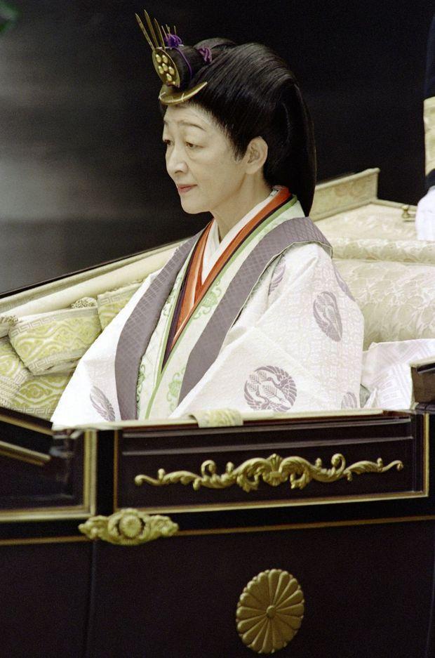 L'impératrice Michiko du Japon lors des cérémonies de l'intronisation de l'empereur Akihito à Tokyo, en novembre 1990