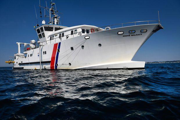 'André Malraux, navire amiral de l'archéologie sous-marine française, a repris cette semaine ses recherches dans la rade de Brest.