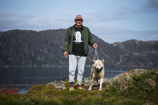 Un chasseur et son chien.