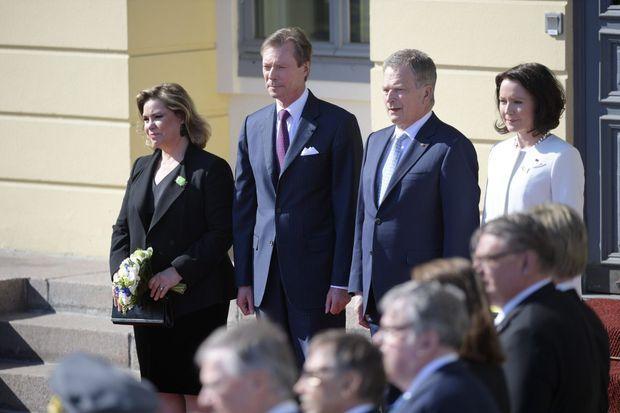 La grande-duchesse Maria Teresa et le grand-duc Henri de Luxembourg avec le président finlandais et sa femme à Helsinki, le 10 mai 2016
