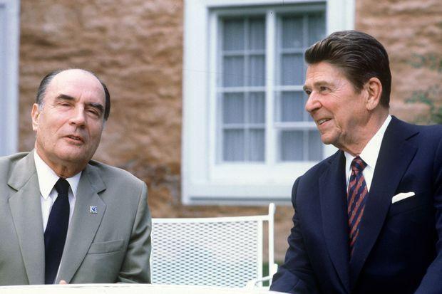 François Mitterrand et Ronald Reagan au G7 de juillet 1981 à Ottawa.