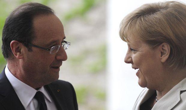 François Hollande et Angela Merkel lors de leur première rencontre officielle à Berlin le 15 mai 2012.