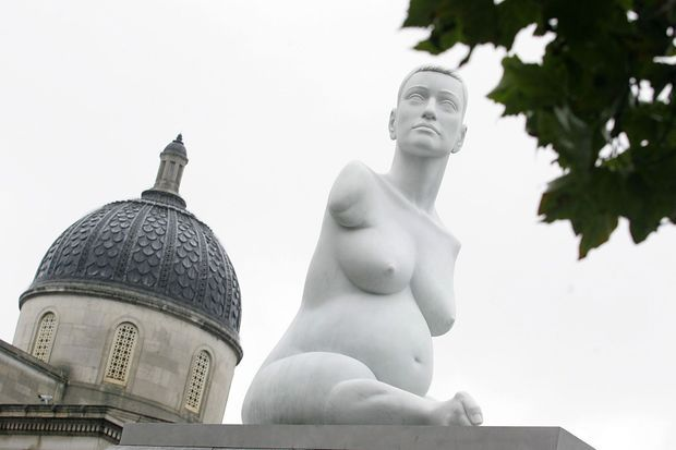 Sculpture en marbre d'Alison Lapper en septembre 2005.