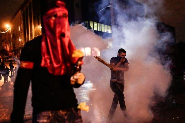 Des manifestations ont éclaté dans tout le pays après l'attentat à Ankara. Ici, à Istanbul.