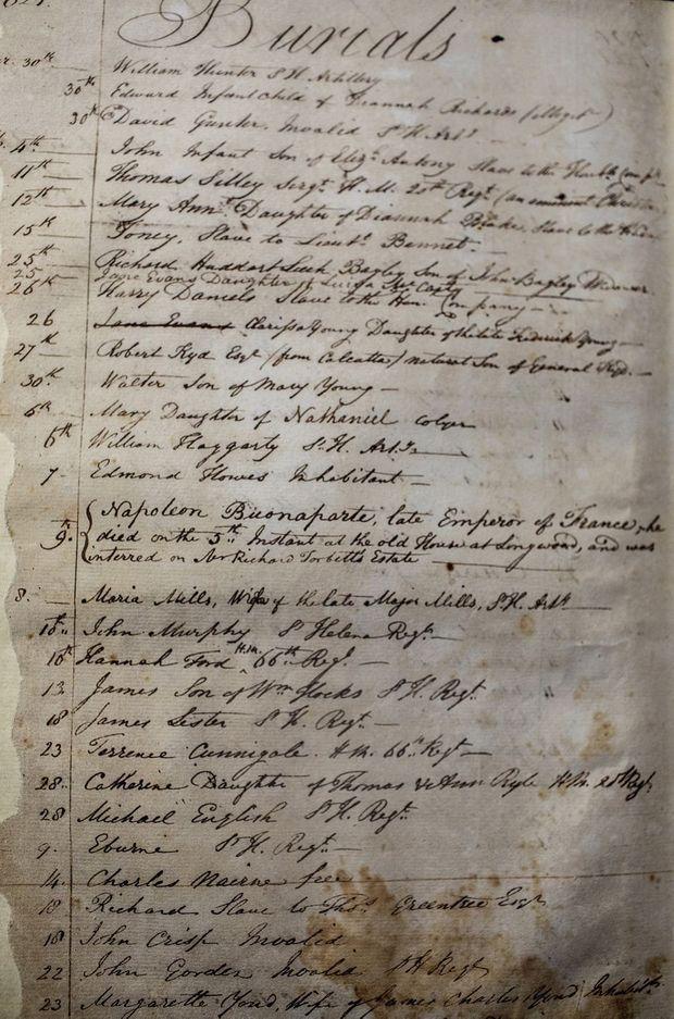 La mention de la mort de Napoléon Bonaparte figure sur le registre des décès de Sainte-Hélène