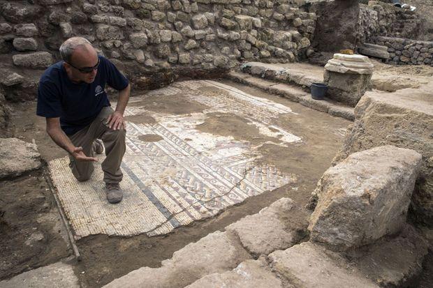Mosaïque découverte le 8 février 2018 à Césarée