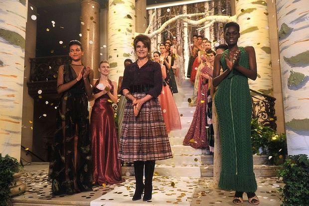 """Fanny Ardant styliste de haute couture en panne d'inspiration mais pas de charme dans """"Chic!"""""""