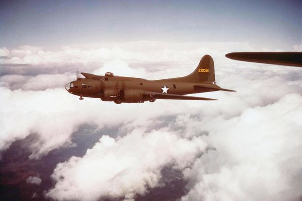 Un bombardier américain B-17.