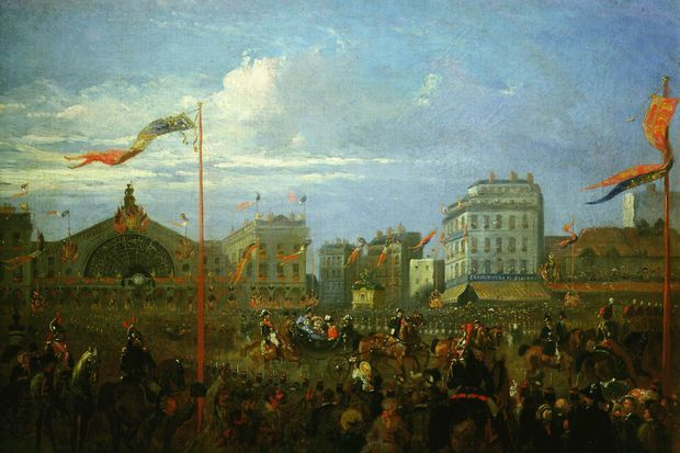 La reine Victoria et sa famille quittent la gare de l'Est à Paris pour aller à Saint-Cloud, le 18 août 1855