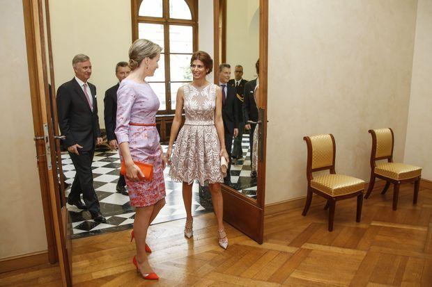 La reine Mathilde de Belgique et Juliana Awada, première dame d'Argentine, à Bruxelles le 4 juillet 2016