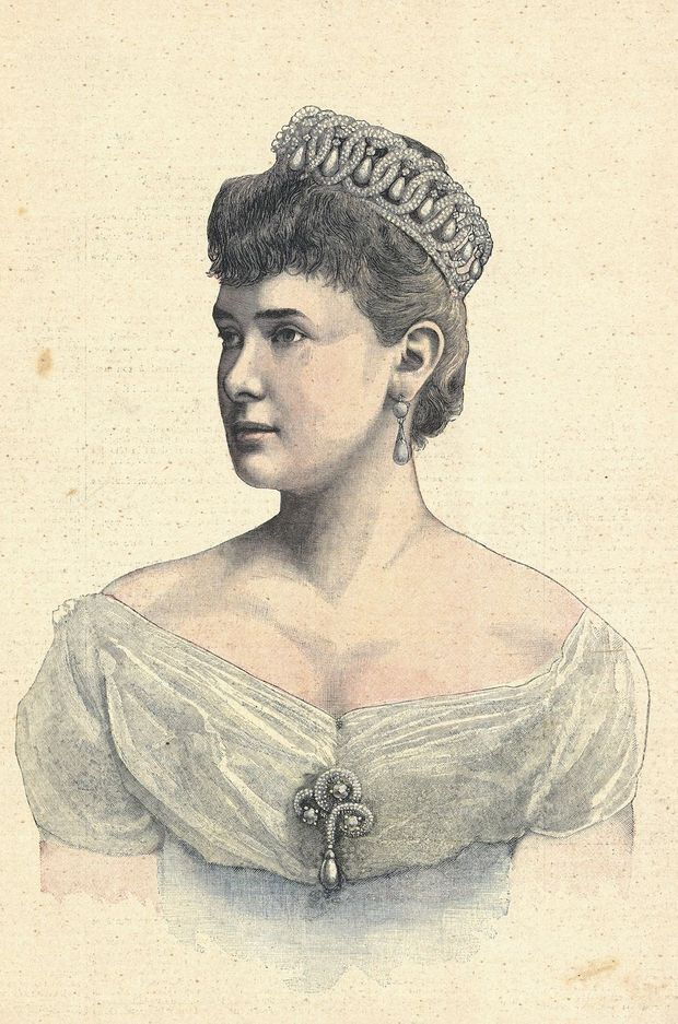 La grande-duchesse Maria Pavlovna de Russie, coiffée de son diadème, en 1892