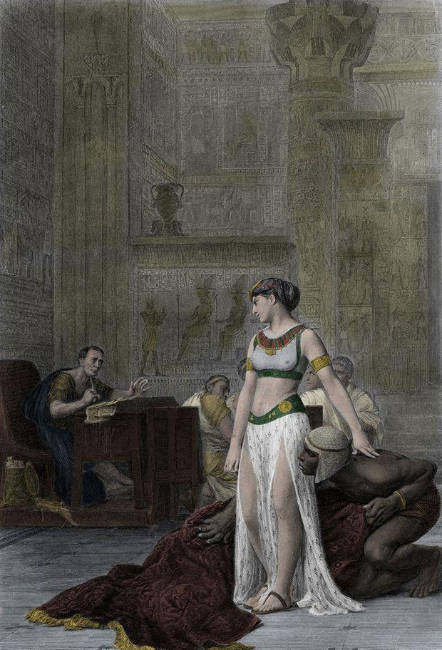 Cléopâtre, sortie du tapis, apparaît devant Jules César (d'après le tableau de Jean-Léon Gérôme)