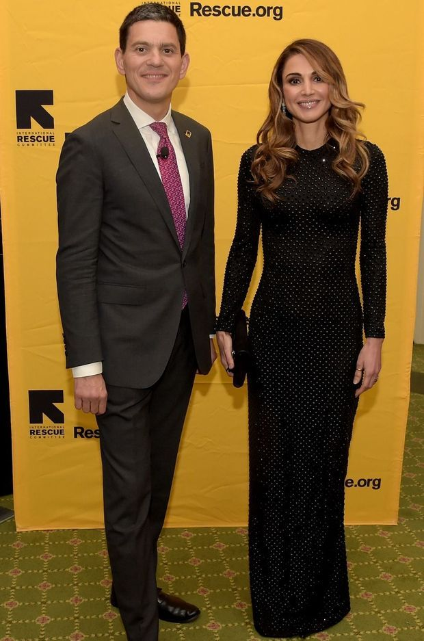 La reine Rania de Jordanie avec David Miliband, président de l'International Rescue Committee, à New York, le 2novembre 2016