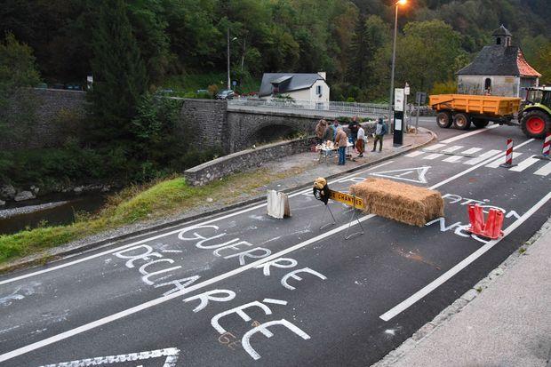Dans le village de Sarrance, les anti-ours ont laissé un message aux autorités.