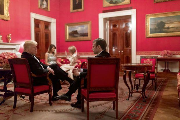 Dans le salon Rouge de la Maison-Blanche, le 24 avril.