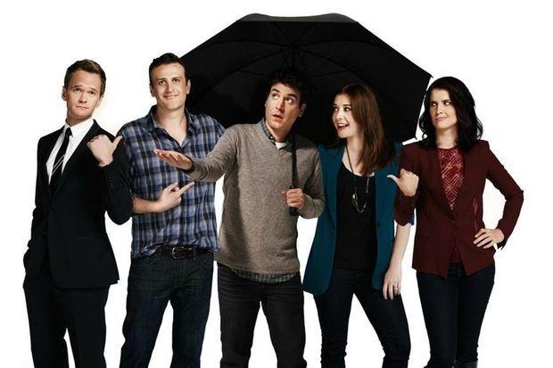 """Cobie Smulders (à droite) en présence de l'équipe de """"How I Met Your Mother"""": Neil Patrick Harris, Jason Segel, Josh Radnor et Alyson Hannigan"""