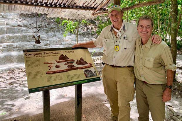 Richard Hansen et Pascal Drouhaud, près de la Pyramide de la Danta