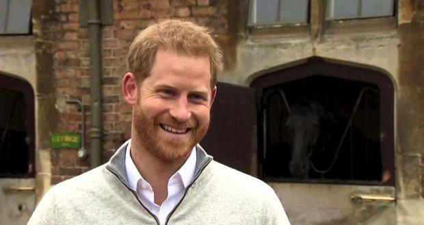 15 h 38 à Windsor, Harry confie : « Je suis au 7e ciel. »