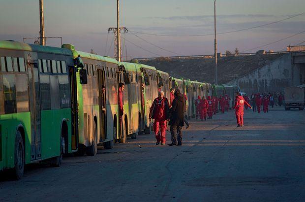 16 décembre : Des enfants des quartiers est. Abandonnés ou orphelins, beaucoup ont été regroupés dans une zone industrielle de Jibreen.