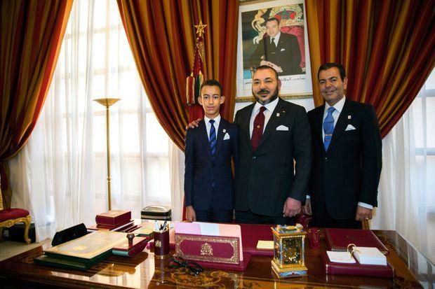 16 novembre 2016, pendant la Cop22 à Marrakech, le souverain avec son fils et son frère cadet