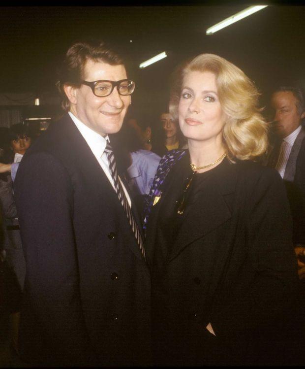 Yves Saint Laurent et Catherine Deneuve en 1981.