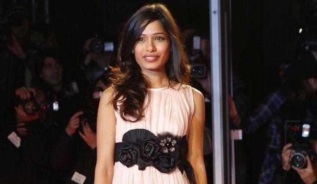 2-photos-people-cinema-Freida Pinto--