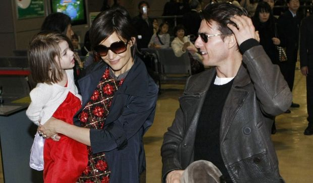 2-photos-people-cinema-Katie Suri et Tom Cruise--