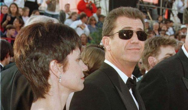 2-photos-people-cinema-Mel Gibson et sa femme Robyn Moore--