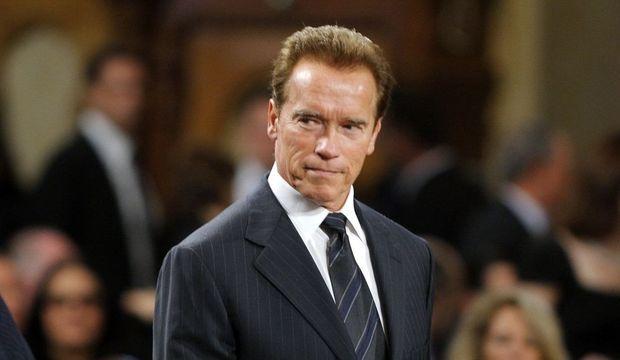 2-photos-people-cinema-Schwarzenegger--