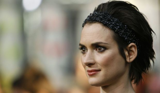 2-photos-people-cinema-Winona Ryder star trek--