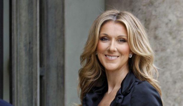 2-photos-people-musique-Céline Dion souriante--