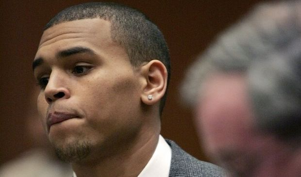 2-photos-people-musique-Chris Brown au tribunal--