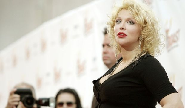 2-photos-people-musique-Courtney Love --Courtney Love visage