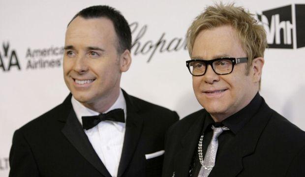 2-photos-people-musique-Elton John David Furnish--Elton John David Furnish