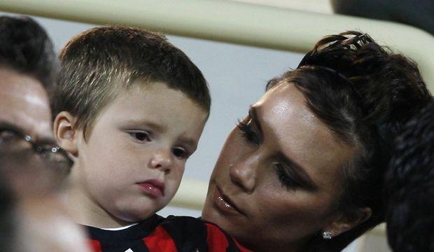 2-photos-people-musique-Victoria Beckham et son fils Cruz--