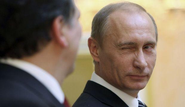 2-photos-people-politique-Vladimir Poutine clin d'oeil--Vladimir Poutine