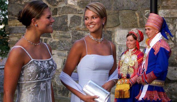 2-photos-people-tetes-couronnees-Victoria et Madeleine de Suède--Suède, princesse