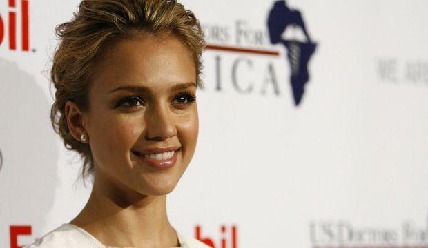2-photos-people-tv-classement-des-10-femmes-les-plus-sexy-en-2009-Jessica Alba--
