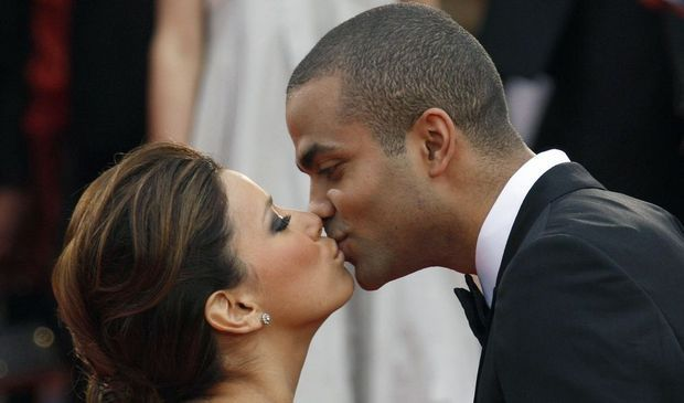 2-photos-people-tv-Eva Longoria et Tony Parker s'embrassant--