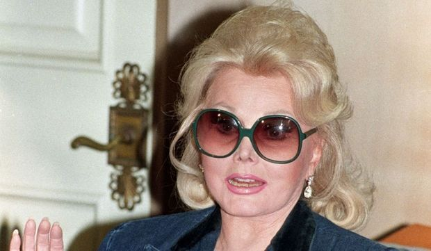 2-photos-people-tv-Zsa Zsa Gabor en 1992--