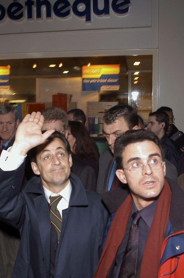 Nicolas Sarkozy, ministre de l'Intérieur, Manuel Valls, maire d'Evry, janvier 2003.