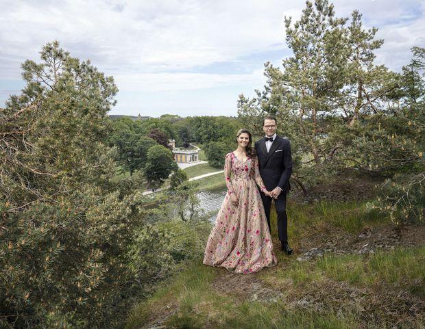 Portrait de la princesse héritière Victoria de Suède et du prince consort Daniel réalisé pour leurs 10 ans de mariage. Photo dévoilée le 18 juin 2020