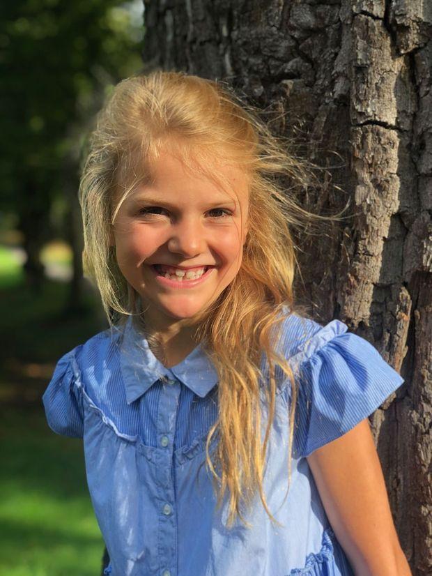 La princesse Estelle de Suède. Photo pour sa rentrée à l'école, le 19 août 2019