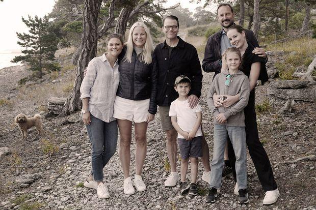 Détail de la photo du week-end en famille sur l'île de Gotland de la princesse Victoria de Suède et du prince Haakon de Norvège, en septembre 2021