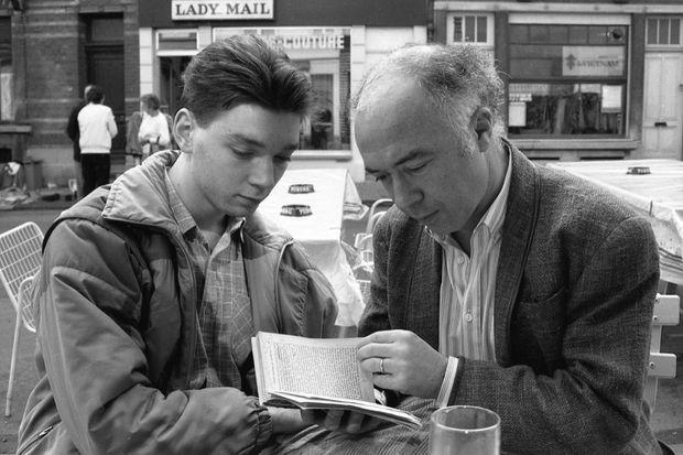 """Frédéric et son père, le philosophe et écrivain Jacques Sojcher en 1984. Ce dernier apparaîtra notamment dans """"Je veux être actrice"""", un film de son fils."""