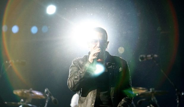 3-photos-culture-musique-u2-los-angeles-rose-bowl-pasadenas-u2 bono--