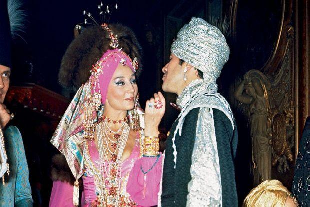 Au Bal oriental du baron Alexis de Redé, le 5 décembre 1969 à l'hôtel Lambert, Paris.