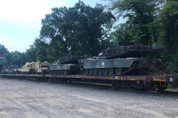 Des chars M1 Abrams transportés vers Washington pour le «Salut à l'Amérique».