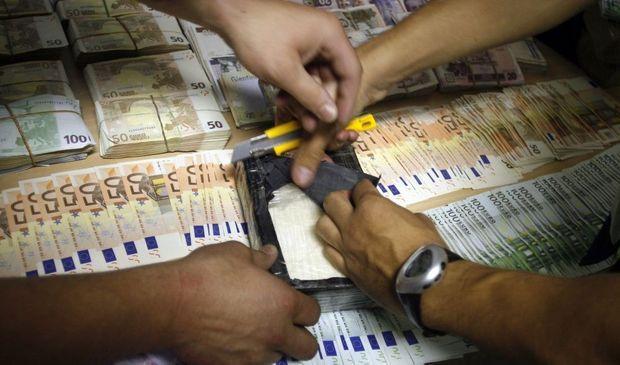 4-photos-conso-argent-Billets de banque cocaïne--